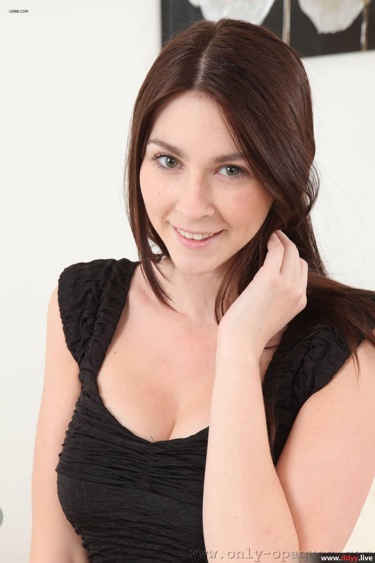 动漫萝莉喷水_白皙美女黑色包臀裙身材尽显[48P][清纯唯美]_小草资源视频在线
