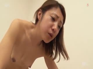 细身的肉食女OL私处紧实度最棒了! - 铃木佐枝子海报剧照