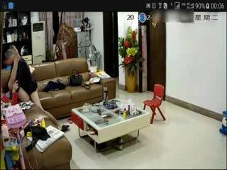 家庭网络摄像头破解大意哥和媳妇在客厅啪啪叫床呻吟海报剧照