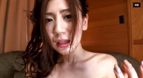 女孩在红色内裤长存亚洲暨脸上镜头